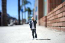 3d_figurine_man_phone